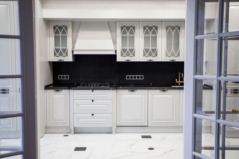 Классическая кухня – Vicostone BQ8740 Marquina